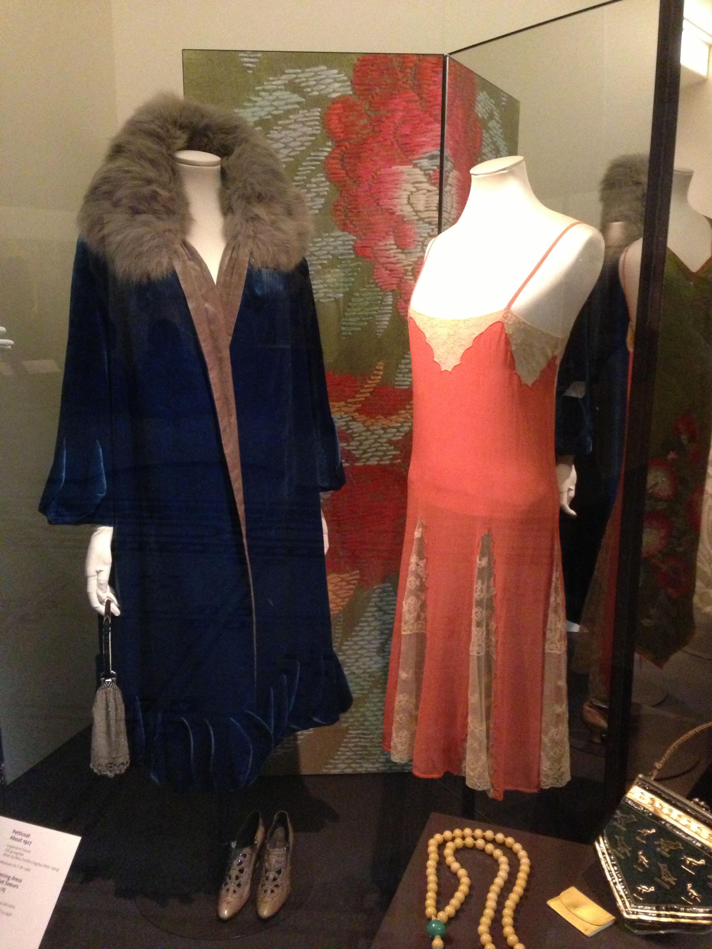 V&A fashion 2