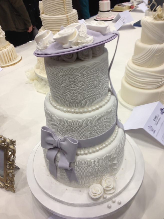 Lace occasion cake