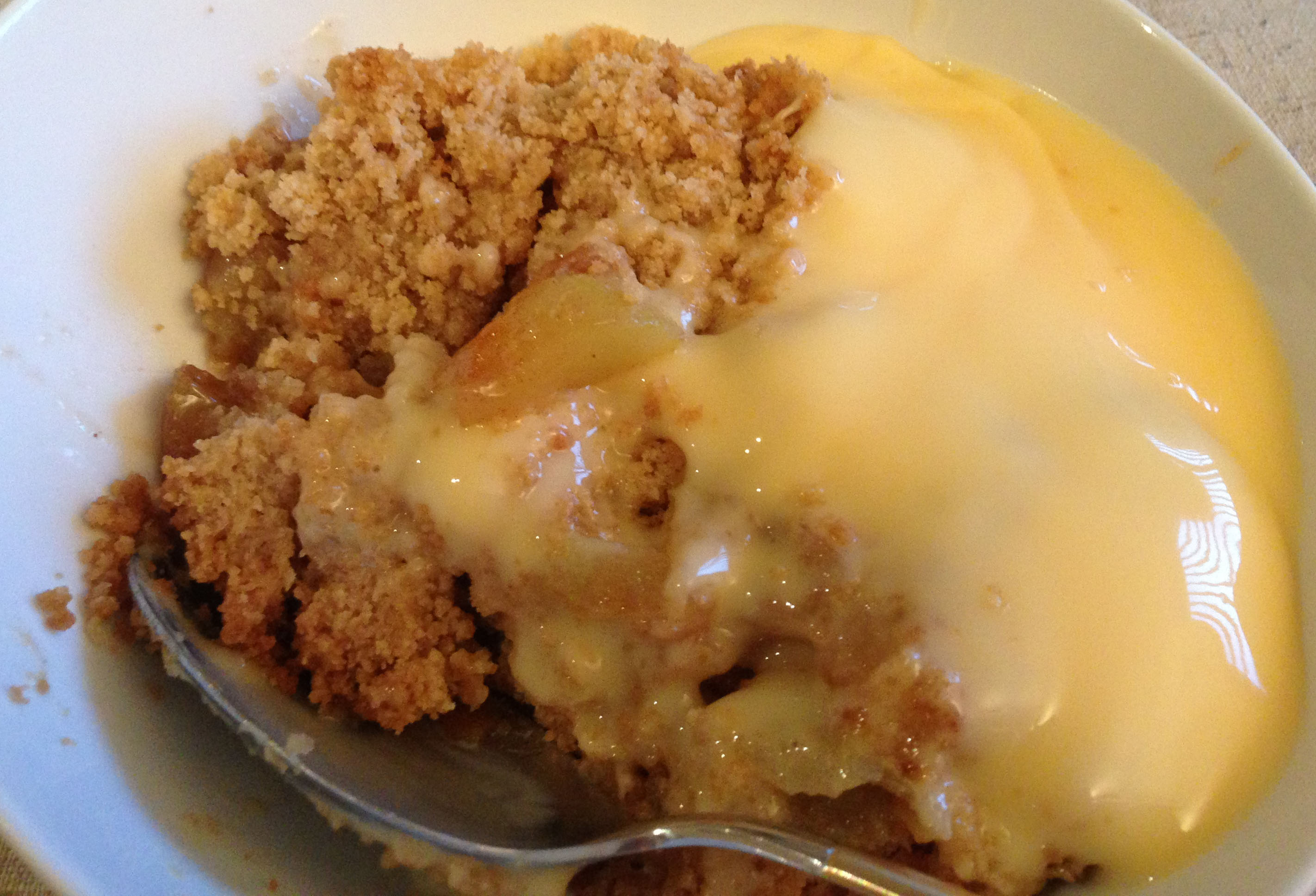 Apple crumble and custard