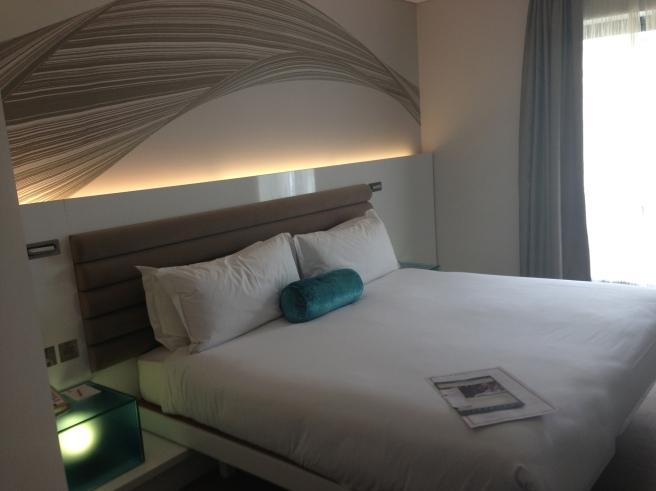 Morrison Dublin guestroom