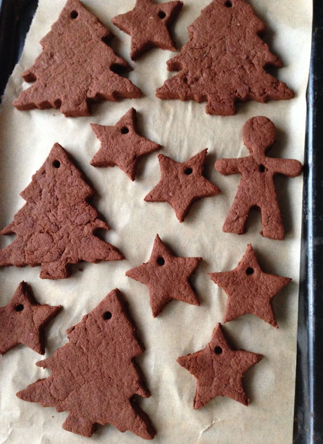Cinnamon dough decorations