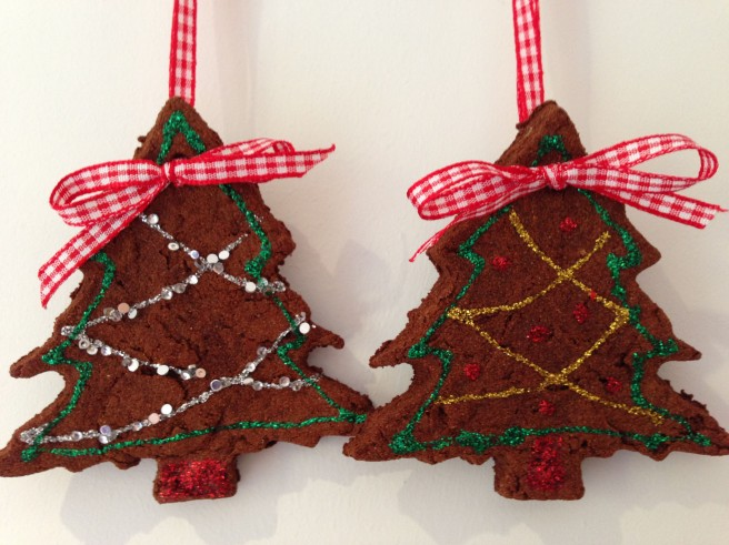 DIY gingerbread decoration