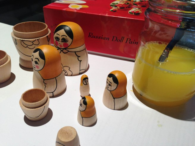 paint russian dolls set