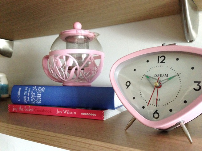 Sugar pink retro clock