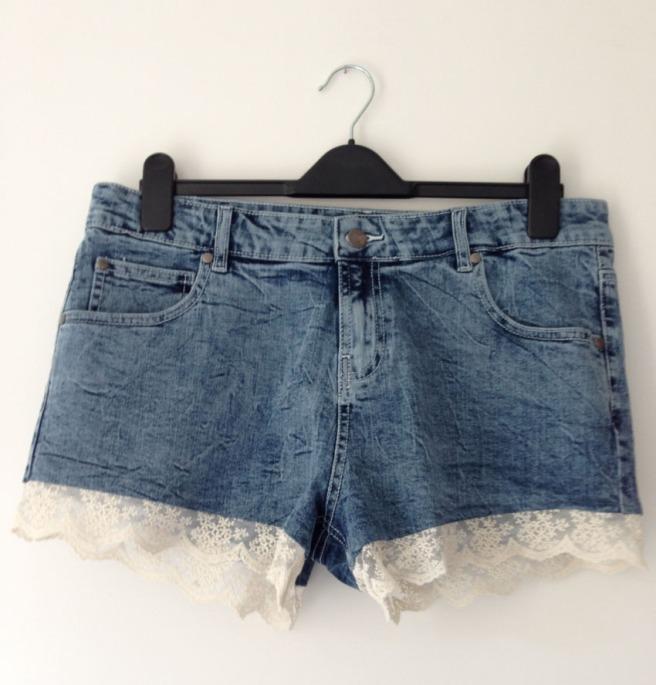 lace trip denim shorts