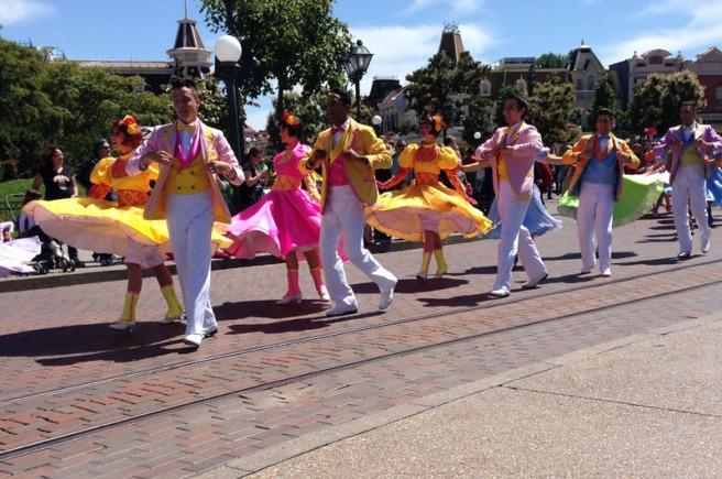 Spring parade dancers disneyland