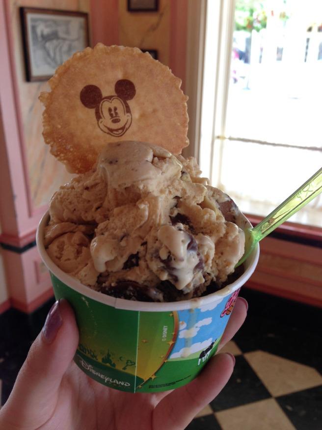 gibson girl ice cream disneyland