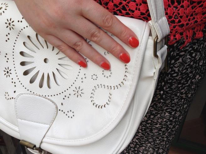 white saddlebag