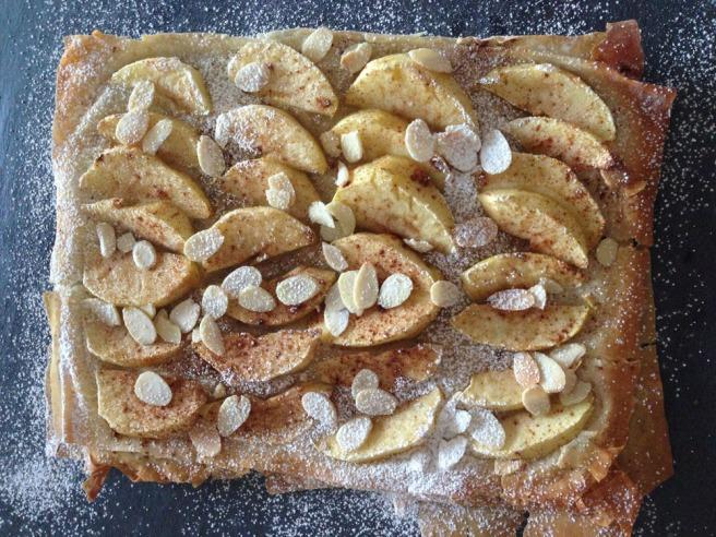 apple filo tart