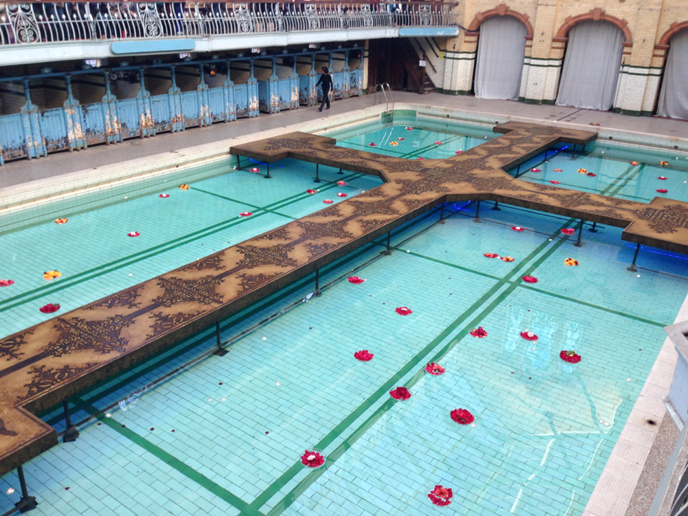 Romeo Juliet In Victoria Baths English Rose From