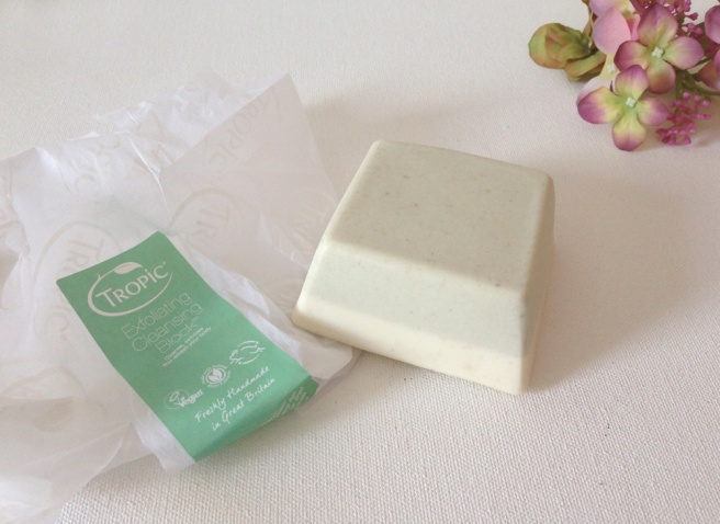 Tropic exfoliating cleansing block