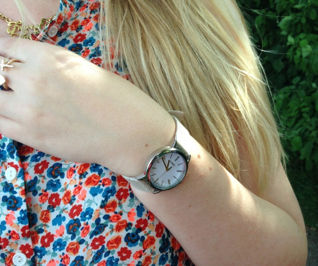 Classic timex watch linen strap