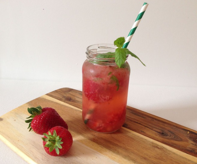 strawberry mint vodka cocktail