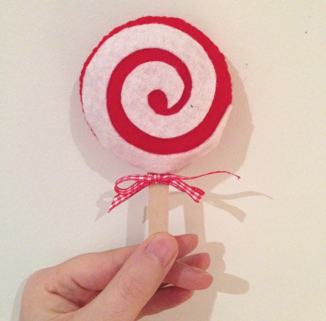 DIY felt lollipop