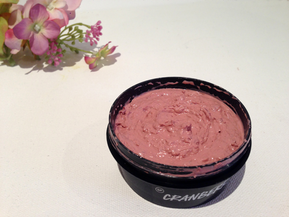 Lush Cranberry Christmas face mask