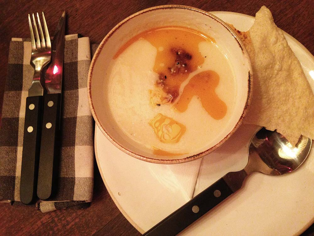 Cream of cauliflower soup, Artisan