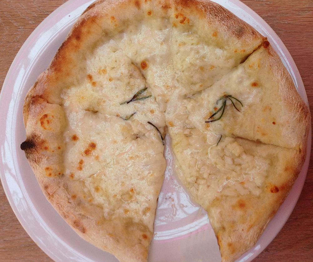 Vapiano fresh garlic bread